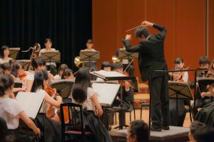 オーケストラ演奏イメージ(生徒指揮)の画像