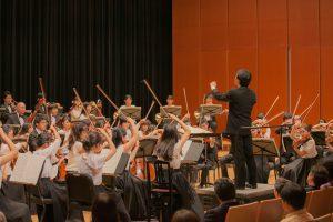 オーケストラ演奏イメージの画像