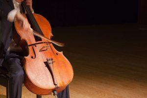 チェロ演奏イメージの画像