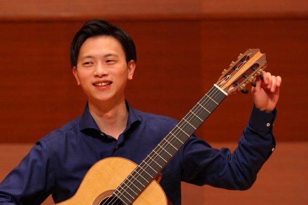 山田 唯雄 64期卒 クラシックギター専攻