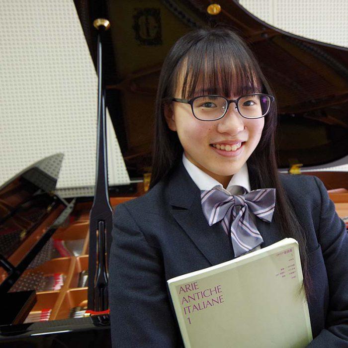 石川 瑚琳 2年 声楽専攻