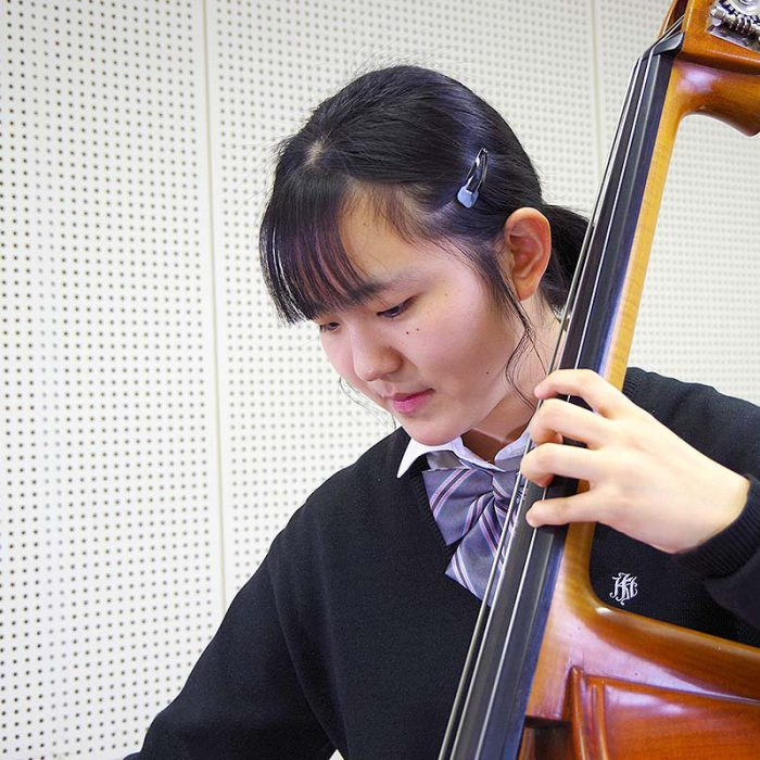 小野 日菜子 3年 コントラバス専攻